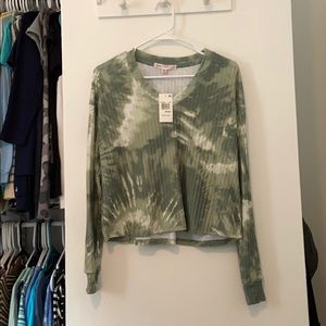 $12 tonight! NWT green tie dyed crop top!